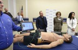 Human simulators proposed to teach battlefield medics techniques instead of using animals