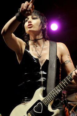 Joan Jett Performs at Rally in Pittsburgh