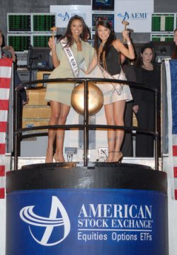MISS UNIVERSE AND MISS USA RING OPENING BELL AT AMEX IN NEW YORK