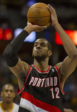 Trailblazers Aldridge shoots free throw against the Nugget in Denver