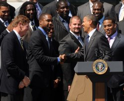 Obama hosts Super Bowl champion Green Bay Packers at White House