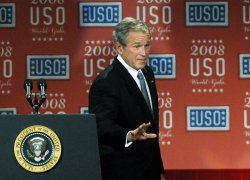 USO World Gala honors Sen. Warner in Washington
