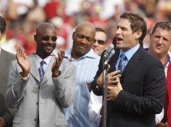Steve Young has his number retired at 49ers half time in San Francisco