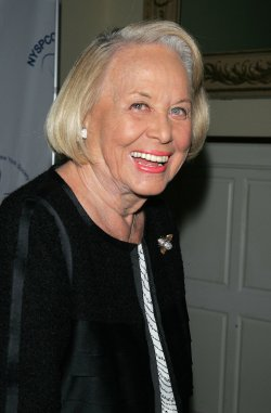 Liz Smith arrives for the 2009 Gala of the New York Society for the Prevention of Cruelty to Children in New York