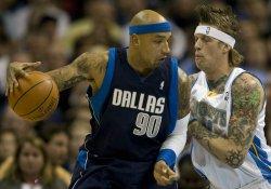 Mavericks Gooden Bumps Nuggets Anderson in Denver