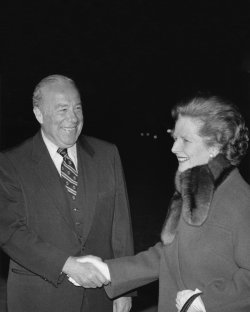 George Schultz welcomes Margaret Thatcher to the United States