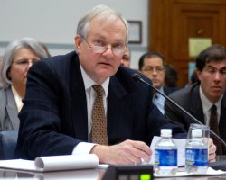 Former Sen. Mitchell testifies on steroids in MLB in Washington