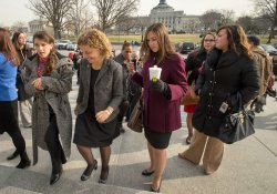 Pelosi and other women members of Congress pose for photo-op in Washington