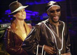 Isaac Hayes and Alicia Keyes attend the 17th Annual Rock and Roll Hall of Fame Induction ceremonies