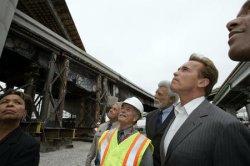 GOV. SCHWARZENEGGER VISITS SITE OF REBUILT HIGHWAY IN OAKLAND, CALIFORNIA