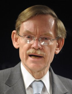 World Bank President Zoellick discusses word economy in Washington