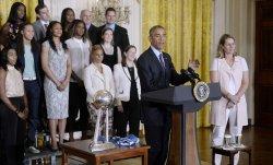 President Barack Obama honors the 2015 WNBA Champions