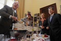 Texas Senators pay off World Series bet to Missouri Senators in Washington