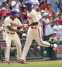 Philadelphia Phillies John Mayberry Jr. homers in the 7th.