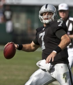 Raiders QB JKyle Boller passes against the Browns in Oakland, California