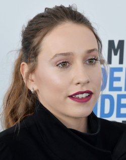Sarah Sutherland attends Film Independent Spirit Awards in Santa Monica, California