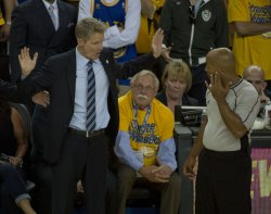 Warriors head coach Steve Kerr tries to make a point with referee Marc Davis