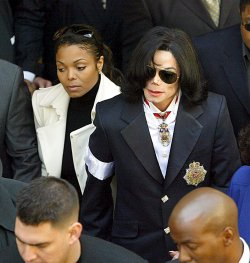 MICHAEL JACKSON DEPARTS SANTA MARIA COURTHOUSE WITH SISTER JANET