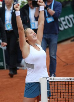 Shelby Rogers plays her fourth round match at the French Open