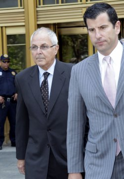Peter Madoff pleads guilty in New York