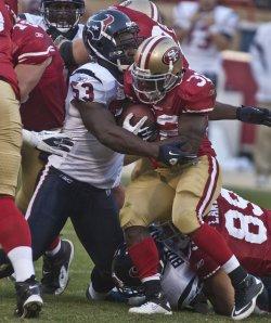 Texans QB Matt Leinart looks to pass against the 49ers in San Francisco