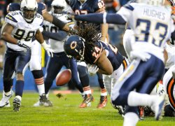 Bears Barber fumbles against Chargers in Chicago