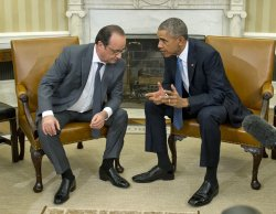 Obama Meets Hollande in the Oval Office
