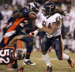 Bears Barber Fumbles Against Broncos Woodyard in Denver