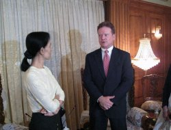 Sen. Webb meets with political prisoner Aung San Suu Kyi.