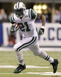 Jets Tomlinson Runs Against Colts