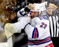 Pens Engelbrecht and Rangers Clowe Fight in Pittsburgh