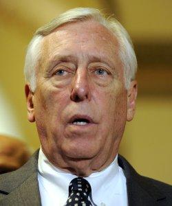 Senate, House pass payroll tax cut extensions in Washington