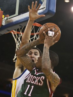 Golden State Warriors vs Milwaukee Bucks in Oakland, California
