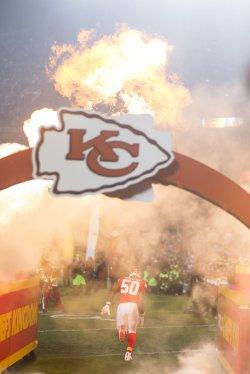 Kansas City Chiefs Justin Houston takes the field in Kansas City