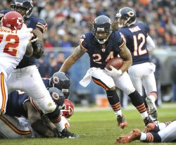Bears Barber runs against Chiefs in Chicago
