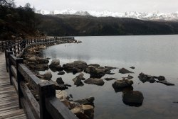Foreign journalists visit the Mugecuo plateau lake in Ganzi Prefecture