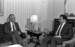 File Photo of Israeli Leader Shimon Peres And Egyptian President Hosni Mubarak