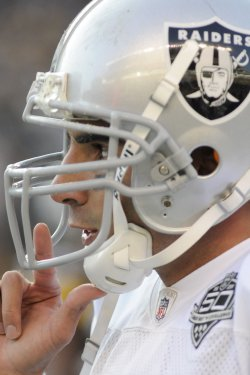 Oakland Raiders Defeats Pittsburgh Steelers 27-24 in Pittsburgh