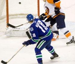 New York Islanders vs Vancouver Canucks