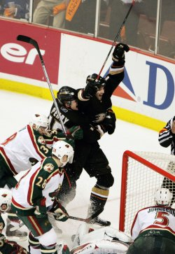 ANAHEIM DUCKS VS MINNESOTA WILD GAME 1 WESTERN CONFERENCE FIRST ROUND SERIES