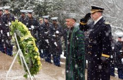 Afghan President Karzai lays wreath at Tomb of the Unknowns