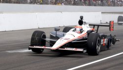Will Power Loses Tire During Indy 500