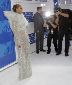 Beyonce arrives at the 2016 MTV Video Music Awards