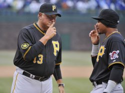 Pirates Hurdle and Tabata joke before game in Chicago