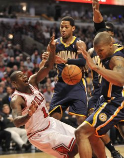 Pacers West fouls Bulls Brewer in Chicago