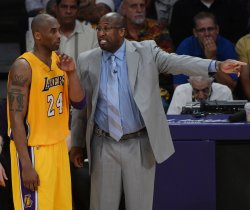 Lakers fire head coach Mike Brown in Los Angeles