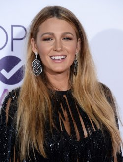 Blake Lively attends the 43rd annual People's Choice Awards in Los Angeles