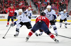 Tampa Bay Lightning' Vincent Lecavalier carries the puck in Washington