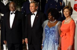 PRESIDENT BUSH HOSTS KENYAN PRESIDENT KIBAKI AT STATE DINNER