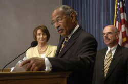 DEMOCRATS HOLD PRESS CONFERENCE ON IRAQI PRISONER ABUSE